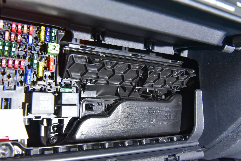 Changing Cabin Pollen Filter Vw Mk7 Golf Autoinstruct