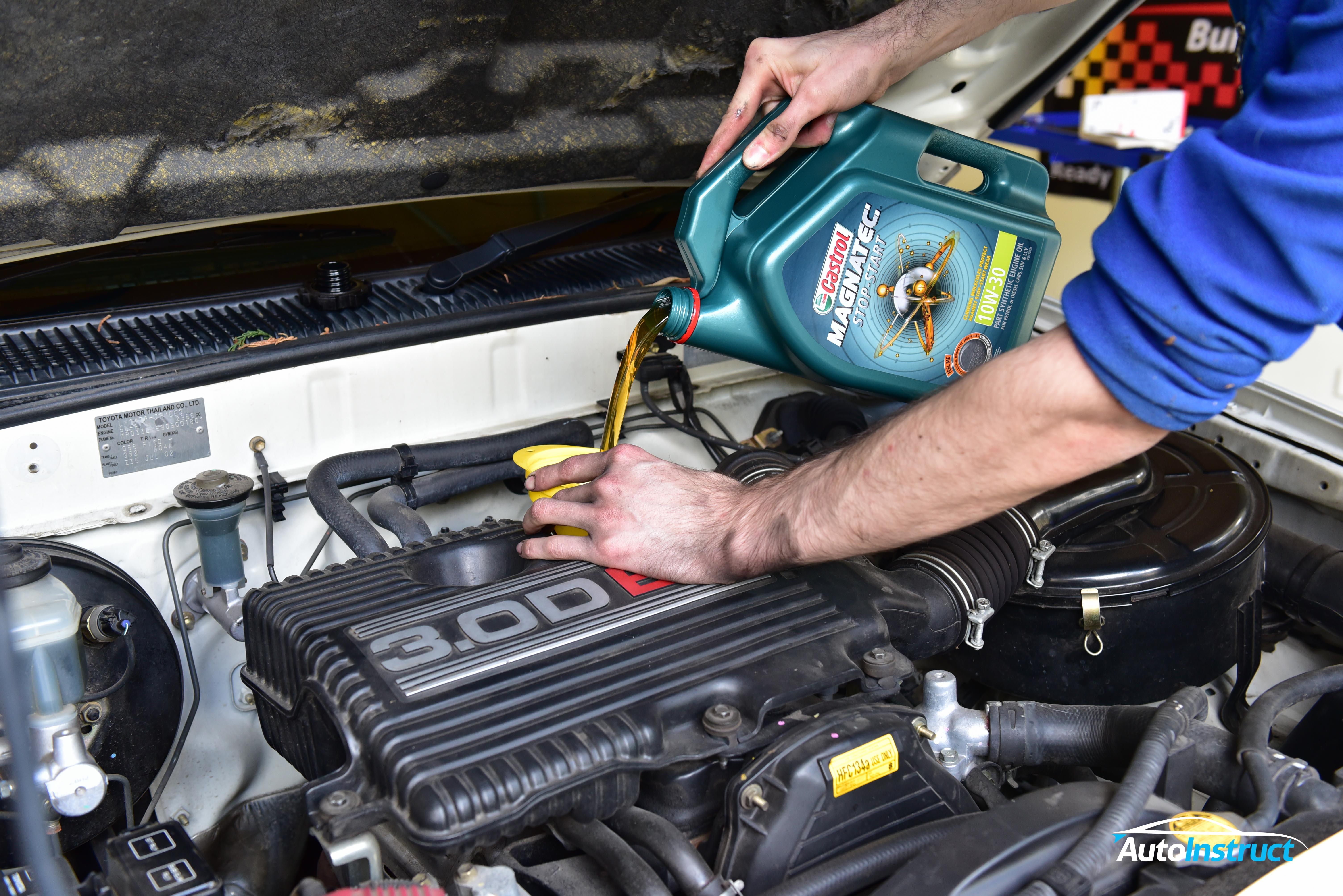 Toyota Hilux Engine Oil Change (6th Gen)